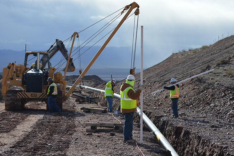 Placing Pipe at I-11